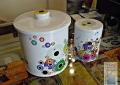 bombonera-y-emvase-cilindrico-blanco-con-circulos-800-y-400-grms